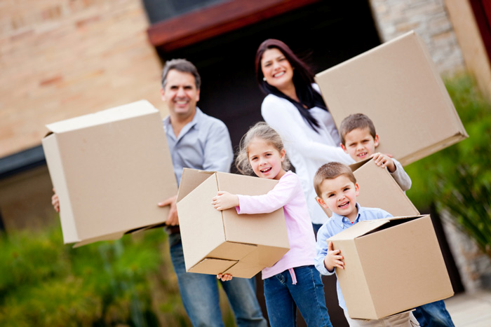 Choose Expert Movers for Your Summertime Relocation