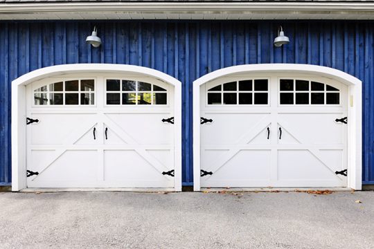Finding garage repair and installation in Houston