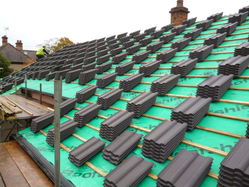 Hire Professional Roof Tilers to Get Your Home Fixed Properly