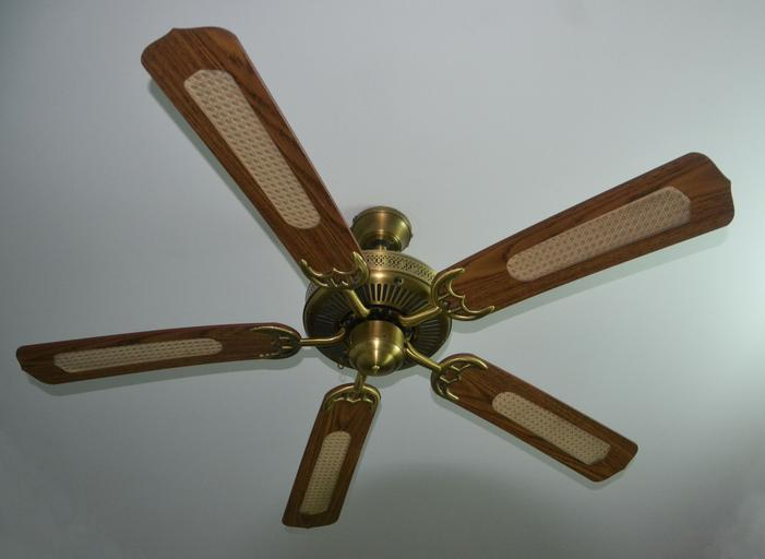 Difference between A High-Speed Ceiling Fan and A Regular Fan